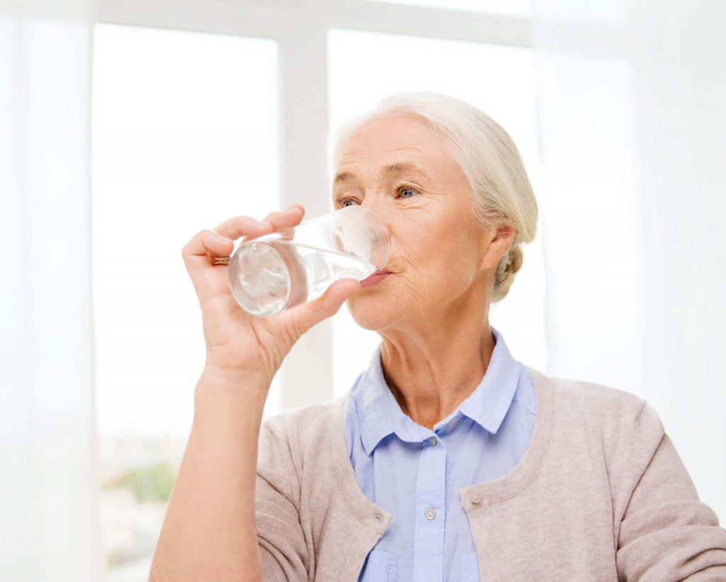 drinking water for bladder health